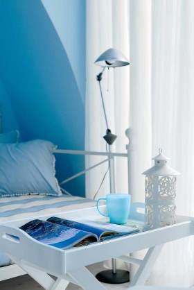 白色精美地中海风格书桌装饰