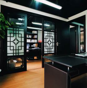 中式古雅书房隔断设计欣赏