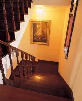 新古典雅致楼梯装修案例欣赏