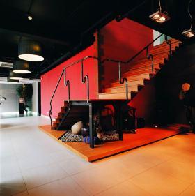 现代工业风楼梯布置欣赏