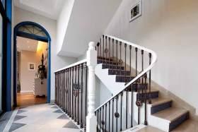 地中海式楼梯别致装潢