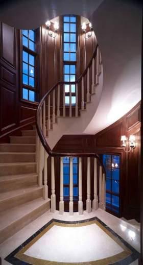 美式楼梯旋转式设计效果