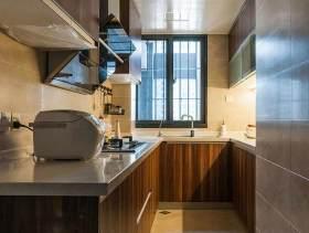 原木色细长型厨房装修欣赏