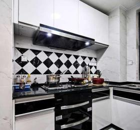 宜家风黑白简约厨房设计案例