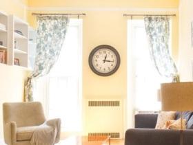 暖色简约风小户型客厅装修图片