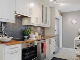 2016简约风格狭长型厨房装修效果图片
