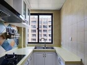 简约清亮狭长型厨房设计图片