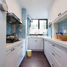 清新简约风狭长型厨房装修案例欣赏