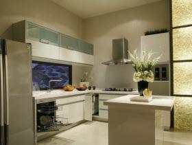 白色简约厨房装修