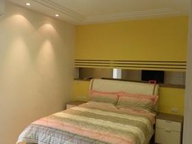 黄色简约女生卧室装修设计