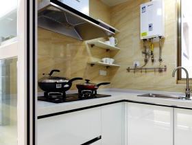 白色简约厨房装修设计
