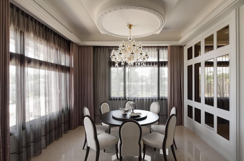 装修效果图  相对于一楼客厅的华美