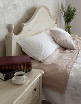 欧式卧室床头