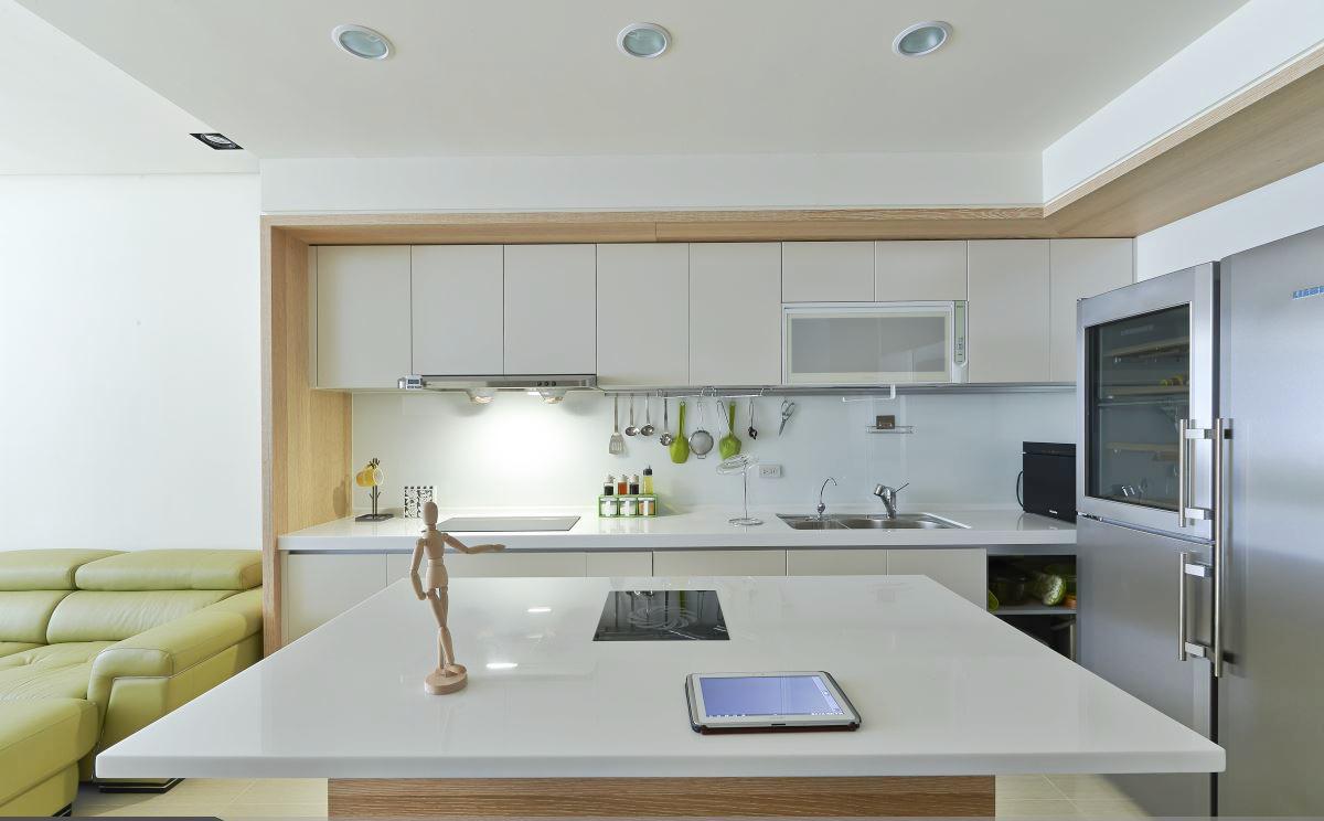 开放式简约宽敞厨房装潢设计