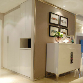 现代米色落地收纳柜设计图片