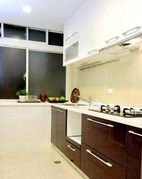 白色宜家实用厨房装修图片欣赏