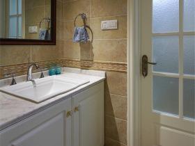 美式风格浴室柜布置效果展示