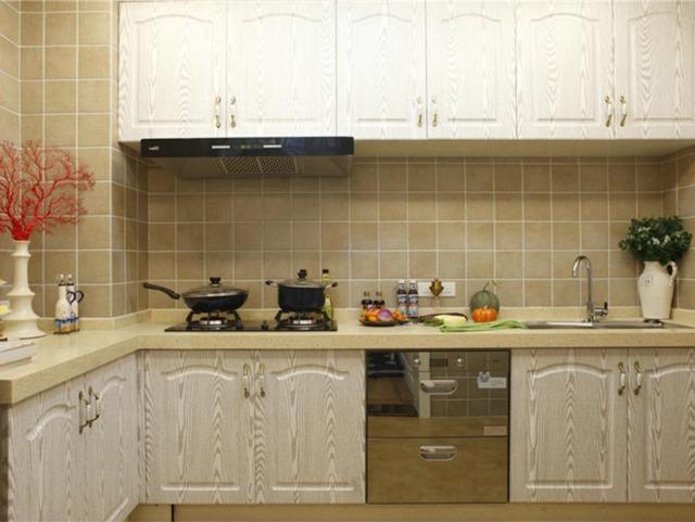 想要一个典雅的厨房,面板的纹饰很是重要。