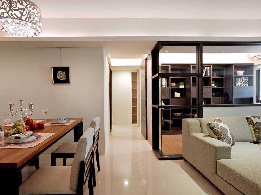 旁边的厨房采用隐藏式设计的门片,简约就是美观.
