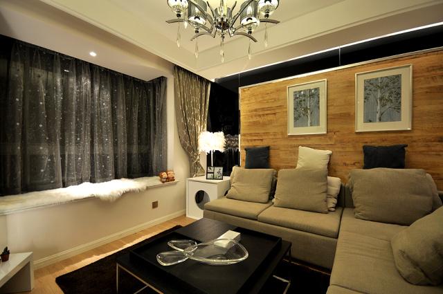 客厅采用飘窗,保证光线敞亮的同时更具美观。