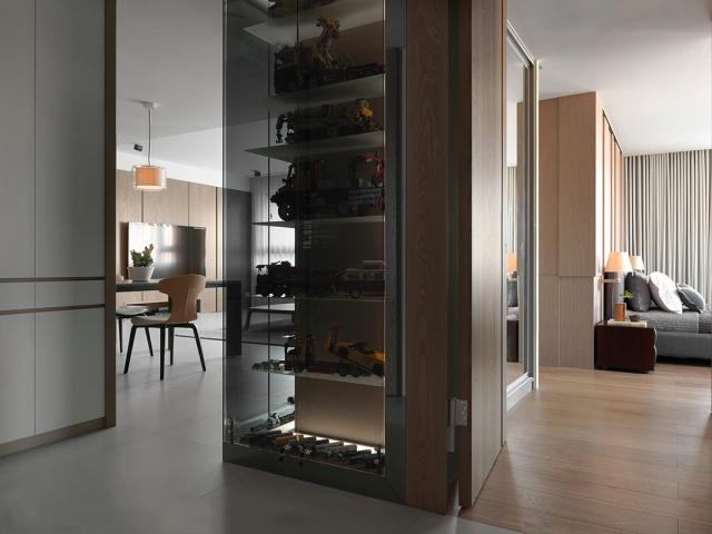 对于大面积空间的隔断应该充分利用,方便实用美观兼得。