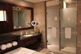 中式元素酒店式卫生间精美装潢