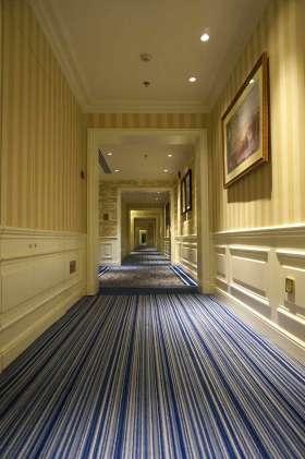 明亮大方美式风格过道装饰设计欣赏