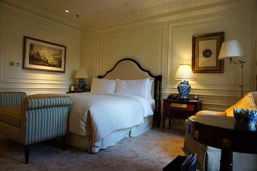 2016温馨轻甜美式卧室装修设计图片