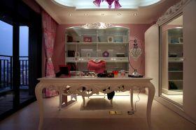 粉色浪漫可爱风格书房布置展示