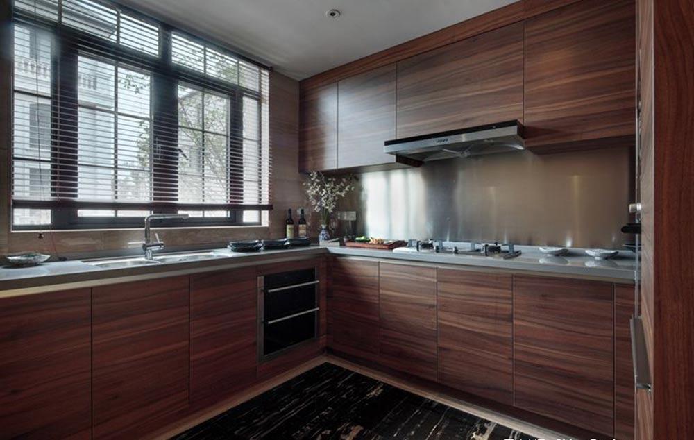新中式沉稳大气三居室装潢案例图片
