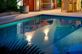 奢华现代泳池图片