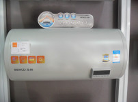 本科热水器图片