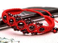 红绳手链的图片