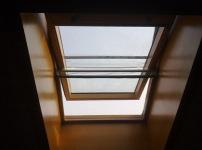 斜屋顶窗图片