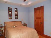 地下室卧室图片