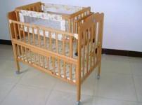 婴儿摇床图片