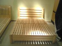 松木床的相关图片