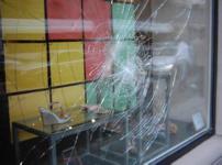 玻璃防爆膜图片