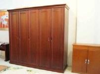 木质衣柜的图片