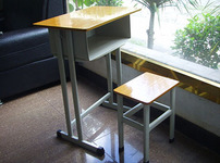 单人课桌椅的相关图片