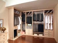 别墅衣柜的图片