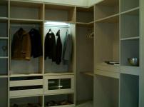 普吉尼整体衣柜的图片