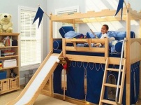 带滑梯的儿童床的图片