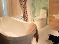 和成按摩浴缸的图片