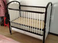 英氏婴儿床图片