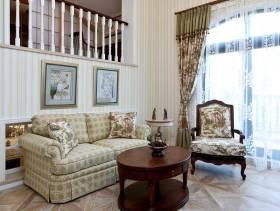 田园风格起居室装修图片