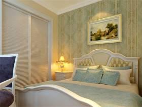 欧式风格复式卧室背景墙装修效果图,欧式风格衣柜图片