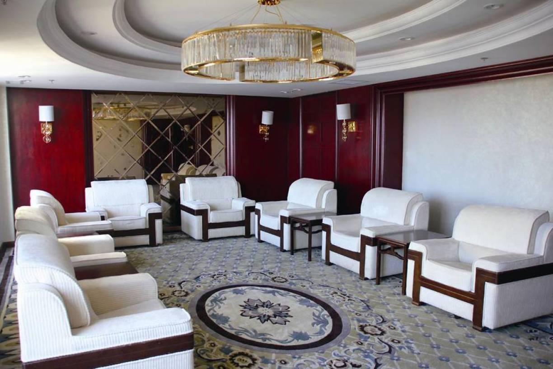 新中式风格接待室吊顶装修图片-新中式风格单人沙发图片