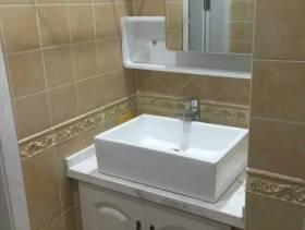 三居过道洗手间装修图片