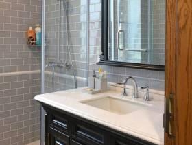 现代简约风格卫生间瓷砖背景墙装修效果图-现代简约风格面盆图片